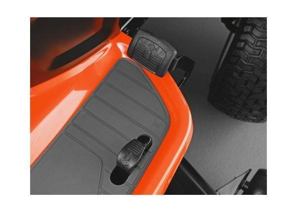 """HUSQVARNA TS138 38"""" CUT STEEL DECK 17.5HP SINGLE CYL AUTO TRANSMISSION"""